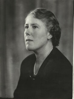Mrs Robert Allan, by Elliott & Fry, 1950 - NPG x86149 - © National Portrait Gallery, London