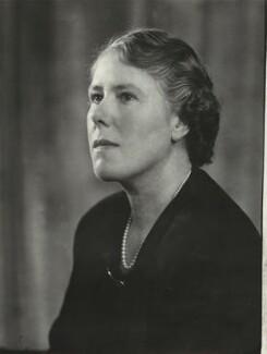 Mrs Robert Allan, by Elliott & Fry, 1950 - NPG x86149 - © National Portrait Gallery, London